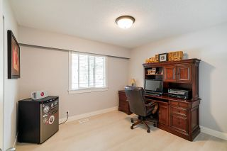 "Photo 14: 5901 ABERDEEN Street in Surrey: Cloverdale BC House for sale in ""Jersey Hills"" (Cloverdale)  : MLS®# R2383785"