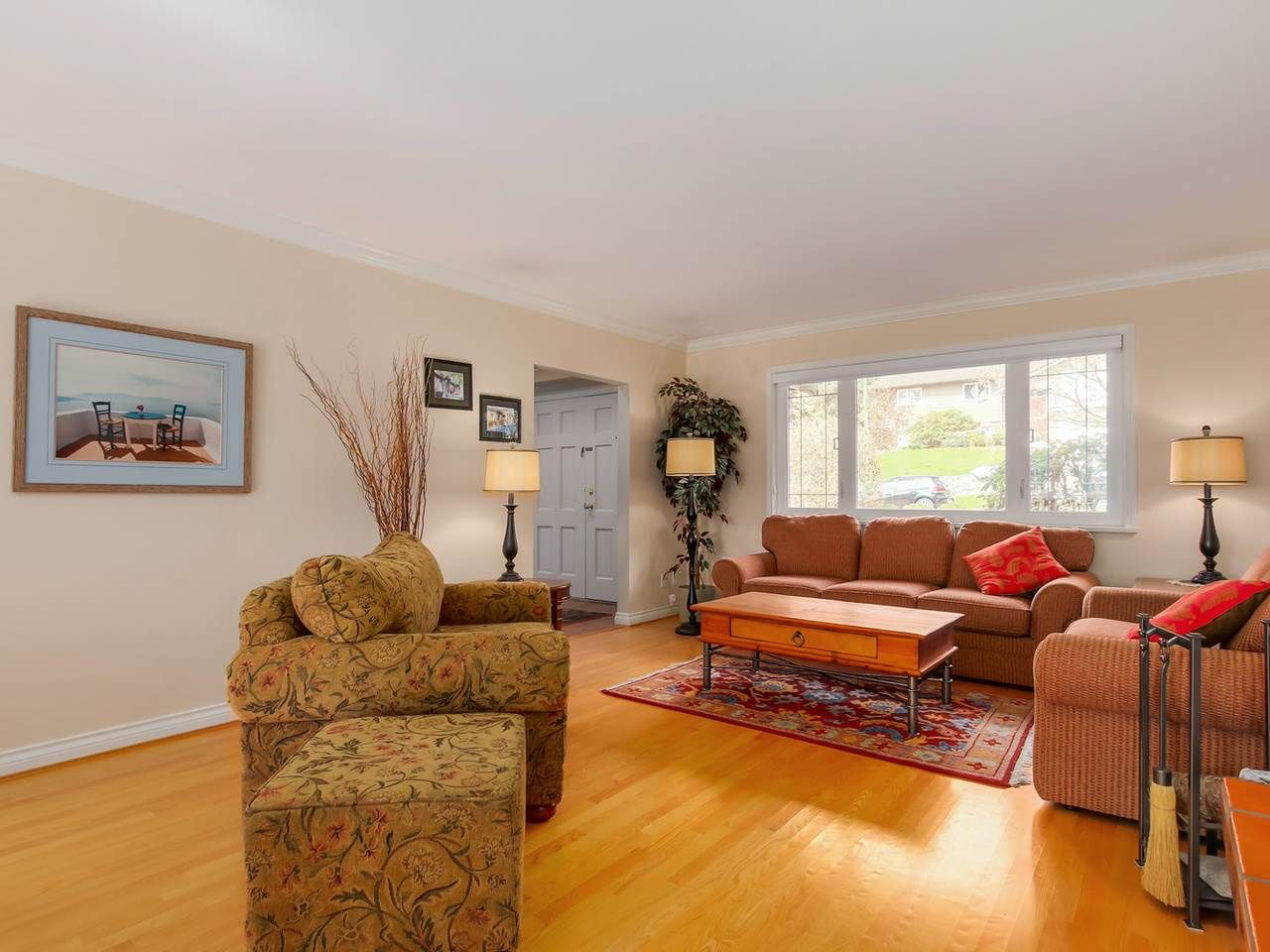 """Photo 2: Photos: 5153 SARITA Place in North Vancouver: Canyon Heights NV House for sale in """"Canyon Heights"""" : MLS®# R2055631"""