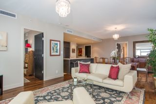 """Photo 2: 1504 1455 HOWE Street in Vancouver: Yaletown Condo for sale in """"POMARIA"""" (Vancouver West)  : MLS®# R2387626"""