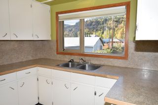 Photo 4: 3887 ALFRED Avenue in Smithers: Smithers - Town House for sale (Smithers And Area (Zone 54))  : MLS®# R2620531