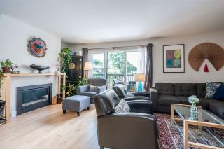 Photo 2: 6879 BROMLEY Court in Burnaby: Montecito Townhouse for sale (Burnaby North)  : MLS®# R2463043