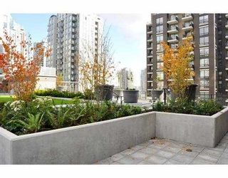 """Photo 3: # 906 1088 RICHARDS ST in Vancouver: Yaletown Condo for sale in """"RICHARDS"""" (Vancouver West)  : MLS®# V917039"""