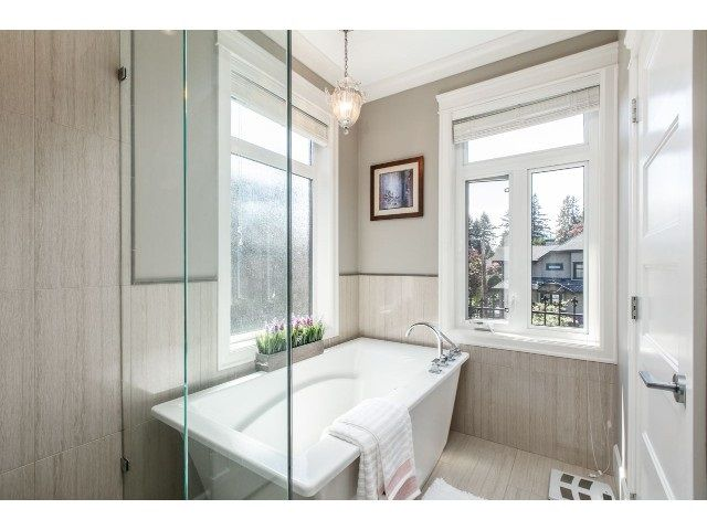 "Photo 12: Photos: 6320 VINE Street in Vancouver: Kerrisdale House for sale in ""KERRISDALE"" (Vancouver West)  : MLS®# R2071537"