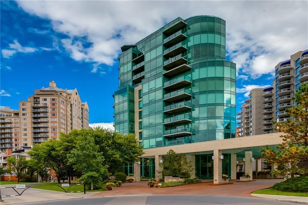 Main Photo: 604 837 2 Avenue SW in Calgary: Eau Claire Apartment for sale : MLS®# C4268169