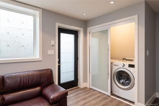 Photo 32: 909 Bank St in : Vi Fairfield East House for sale (Victoria)  : MLS®# 871077