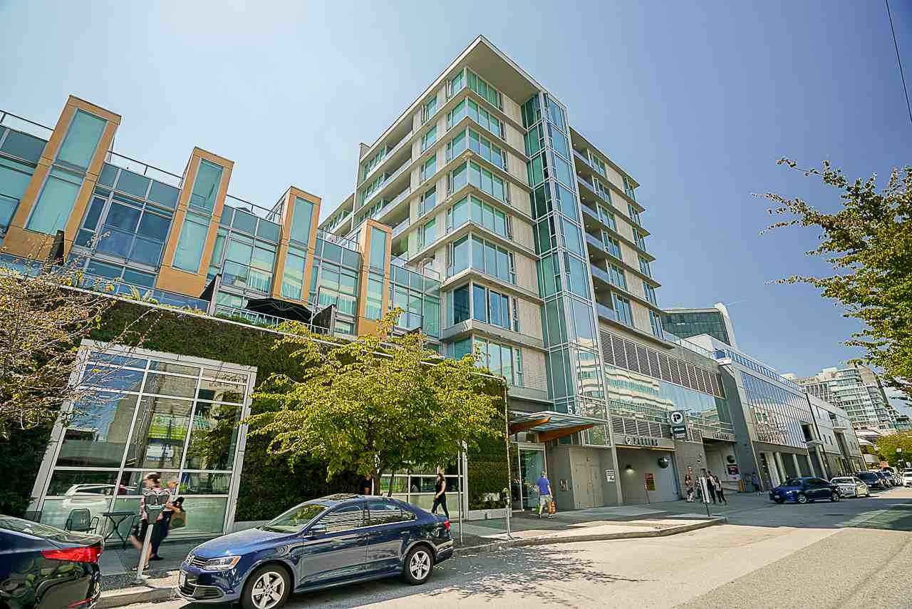 "Main Photo: 613 522 W 8TH Avenue in Vancouver: Fairview VW Condo for sale in ""Crossroads"" (Vancouver West)  : MLS®# R2558030"