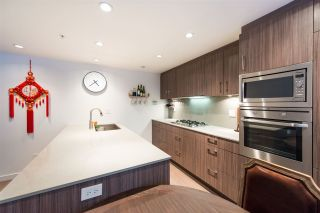 "Photo 5: 2405 HEATHER Street in Vancouver: Fairview VW Townhouse for sale in ""700 WEST 8TH"" (Vancouver West)  : MLS®# R2366688"