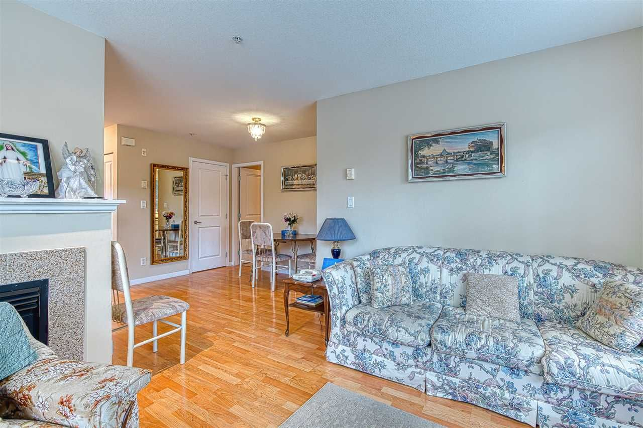 Photo 6: Photos: 105 2432 WELCHER AVENUE in Port Coquitlam: Central Pt Coquitlam Condo for sale : MLS®# R2415147