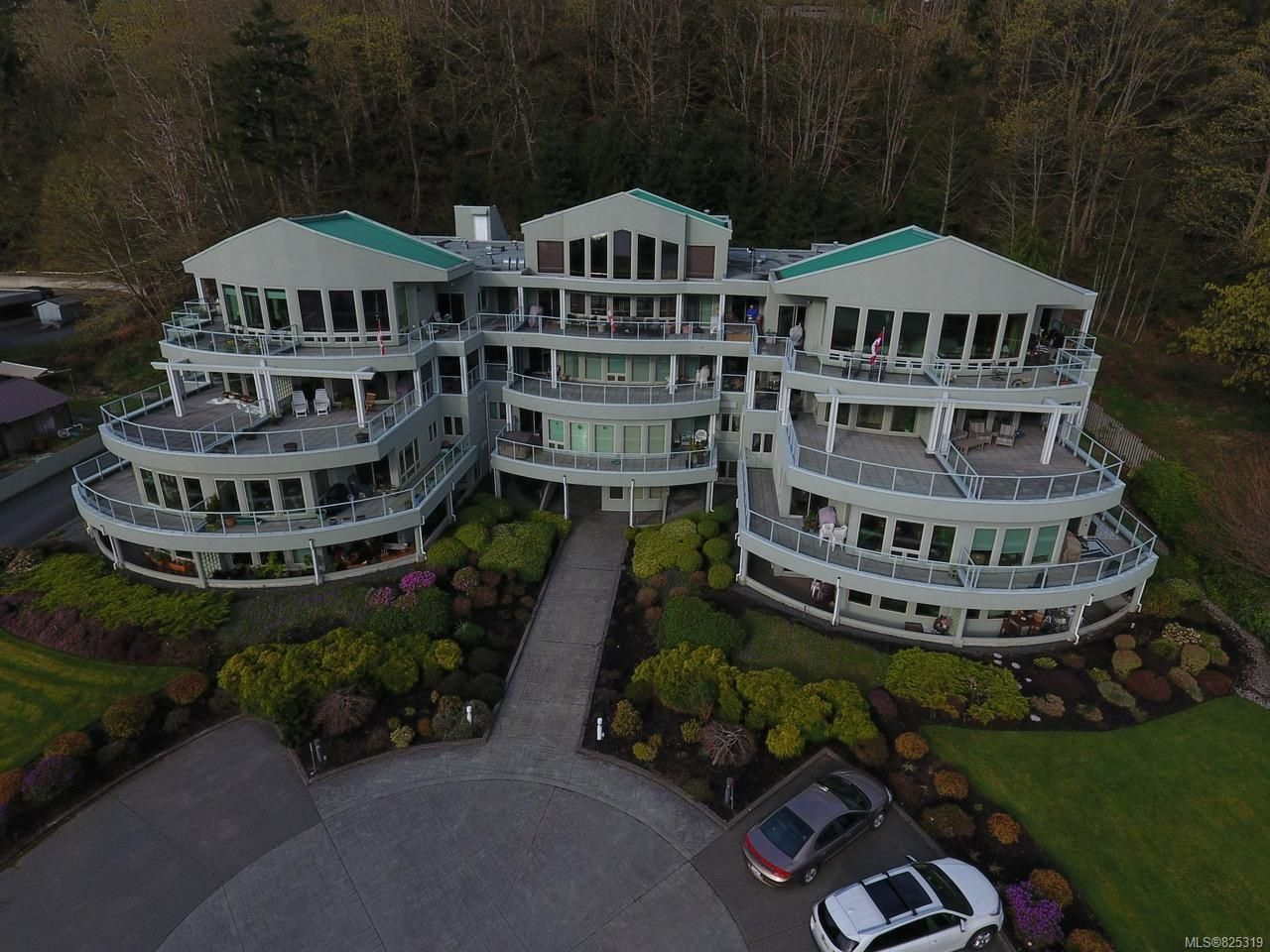 Main Photo: 403 700 S Island Hwy in CAMPBELL RIVER: CR Campbell River Central Condo for sale (Campbell River)  : MLS®# 825319