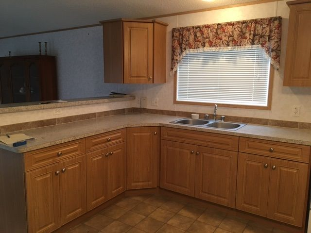 """Photo 4: Photos: 22 654 NORTH FRASER Drive in Quesnel: Quesnel - Town Manufactured Home for sale in """"RIVER WALK MANUFACTURED HOME PARK"""" (Quesnel (Zone 28))  : MLS®# R2533387"""