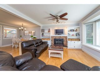 Photo 3: 9488 213 Street in Langley: Walnut Grove House for sale : MLS®# R2169405