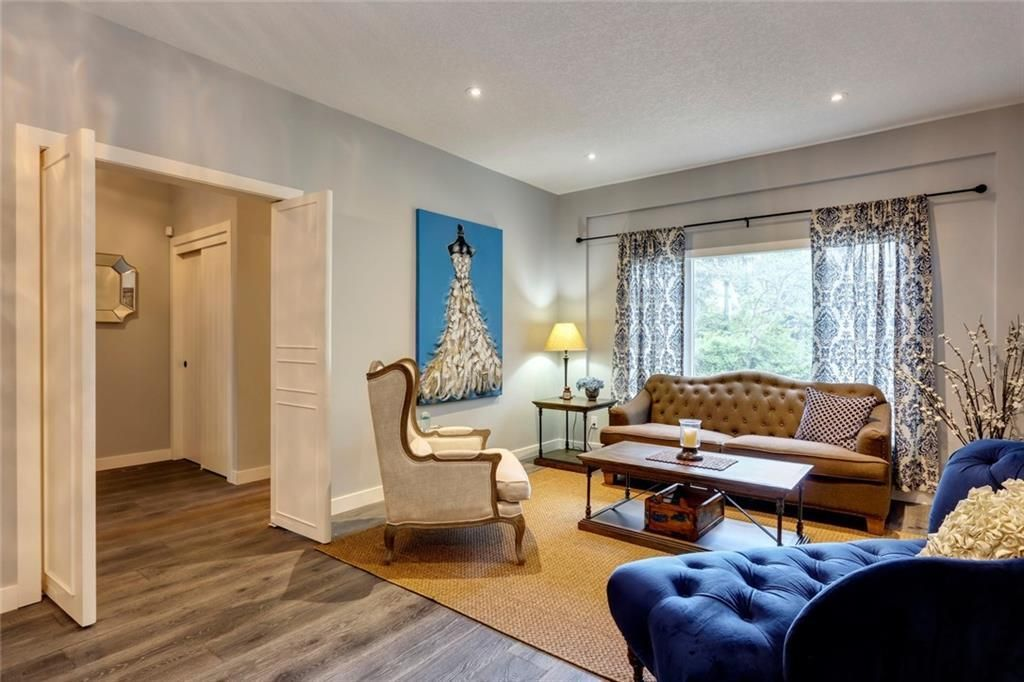 Main Photo: 115 GARDEN Crescent SW in Calgary: Elbow Park Detached for sale : MLS®# A1028934