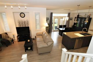 """Photo 9: 24 12161 237 Street in Maple Ridge: East Central Townhouse for sale in """"VILLAGE GREEN"""" : MLS®# R2235626"""