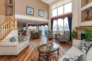 Photo 3: 57 ROYAL RIDGE Hill(S) NW in Calgary: Royal Oak House for sale : MLS®# C4145854
