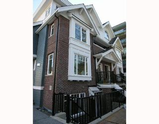 Photo 2: 2862 SPRUCE Street in Vancouver: Fairview VW Townhouse for sale (Vancouver West)  : MLS®# V679716