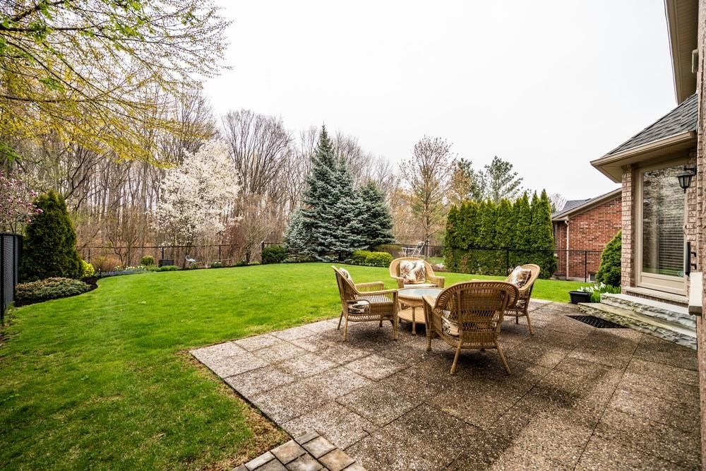 Photo 29: Photos: 1105 Westhaven Drive in Burlington: Residential for sale : MLS®# H4105053