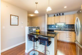 Photo 5: 307 19774 56 Avenue in Langley: Langley City Condo for sale : MLS®# R2437992