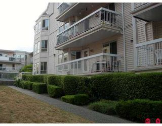 """Photo 9: 114 9299 121ST Street in Surrey: Queen Mary Park Surrey Condo for sale in """"Huntington Gate"""" : MLS®# F2719241"""