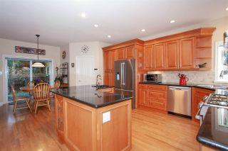 Photo 8: 91 STRONG Road: Anmore House for sale (Port Moody)  : MLS®# R2354420