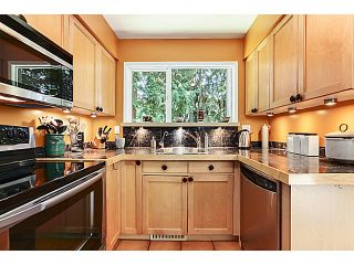 "Photo 5: 1065 HERITAGE Boulevard in North Vancouver: Seymour Townhouse for sale in ""HERITAGE IN THE WOODS"" : MLS®# V1026380"