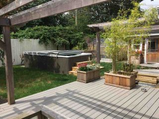 """Photo 16: 1371 OAKWOOD Crescent in North Vancouver: Norgate House for sale in """"Norgate"""" : MLS®# R2097548"""