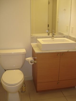 Photo 9: 1501 400 CAPILANO Road in Port Moody: Port Moody Centre Condo for sale : MLS®# R2043621