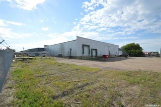 Photo 4: 754 Fairford Street West in Moose Jaw: Central MJ Commercial for sale : MLS®# SK860749