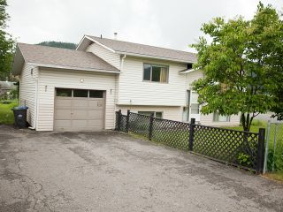 Photo 2: 2021 N THIRD Avenue in Williams Lake: Williams Lake - City House for sale (Williams Lake (Zone 27))  : MLS®# N237528
