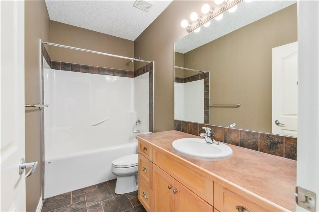 Photo 36: Photos: 73 DISCOVERY WOODS Villa SW in Calgary: Discovery Ridge Semi Detached for sale : MLS®# C4218779