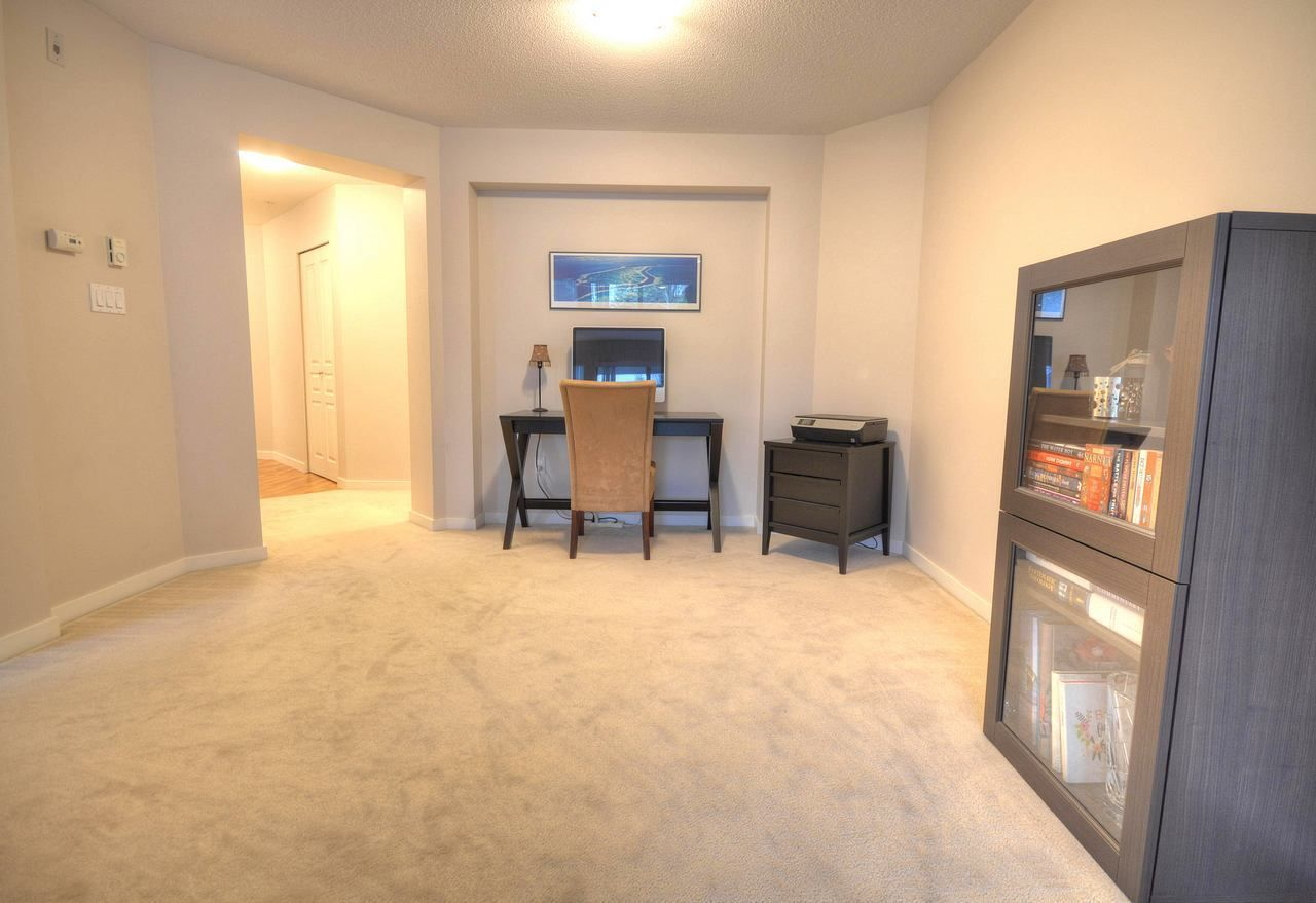 """Photo 7: Photos: 309 2968 SILVER SPRINGS Boulevard in Coquitlam: Westwood Plateau Condo for sale in """"TAMARISK"""" : MLS®# R2237139"""