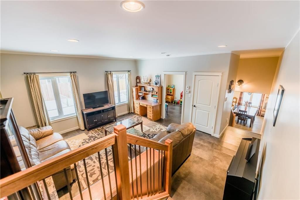 Photo 20: Photos: 13 BRIARWOOD Place in Steinbach: R16 Residential for sale : MLS®# 202029454