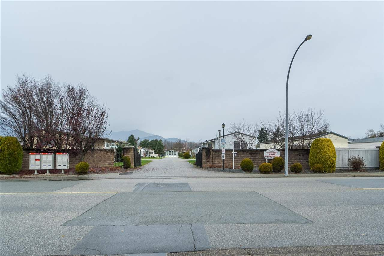 "Main Photo: 12 7610 EVANS Road in Chilliwack: Sardis West Vedder Rd Manufactured Home for sale in ""COTTONWOOD VILLAGE - GATE 4"" (Sardis)  : MLS®# R2541766"