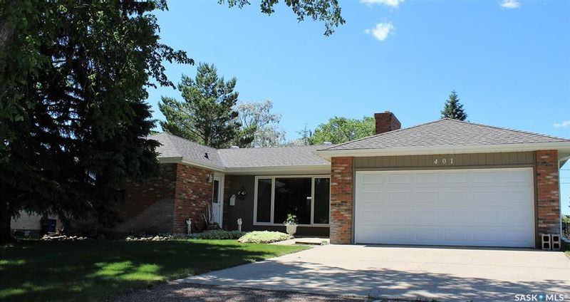 FEATURED LISTING: 401 4th Street East Wilkie