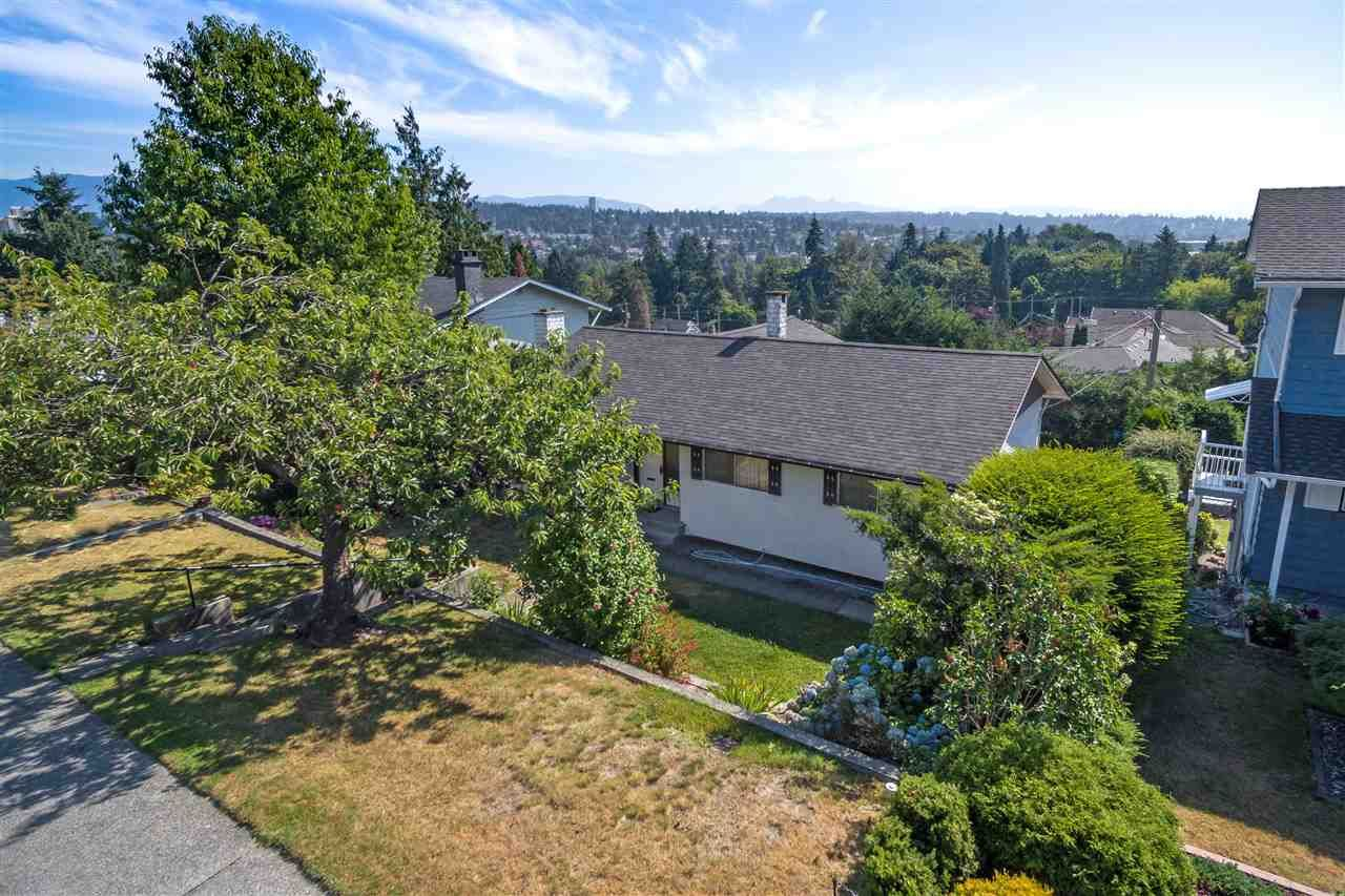 Main Photo: 536 GARFIELD Street in New Westminster: The Heights NW House for sale : MLS®# R2293564