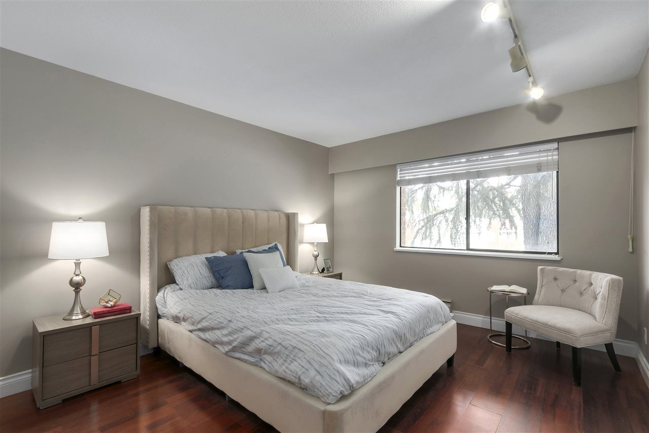 Photo 13: Photos: 215 1235 W 15TH AVENUE in Vancouver: Fairview VW Condo for sale (Vancouver West)  : MLS®# R2404476
