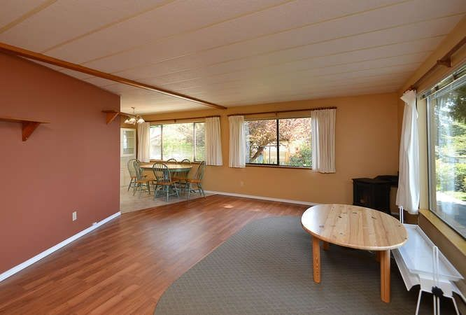Photo 9: Photos: 221 SECOND Street in Gibsons: Gibsons & Area House for sale (Sunshine Coast)  : MLS®# R2259750