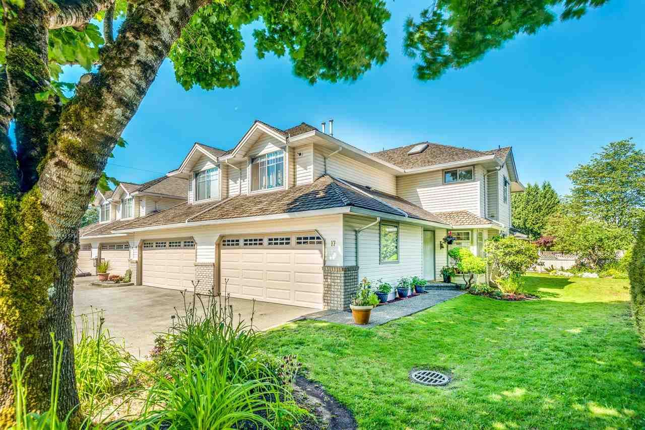 """Main Photo: 17 19051 119 Avenue in Pitt Meadows: Central Meadows Townhouse for sale in """"PARK MEADOWS ESTATES"""" : MLS®# R2590310"""