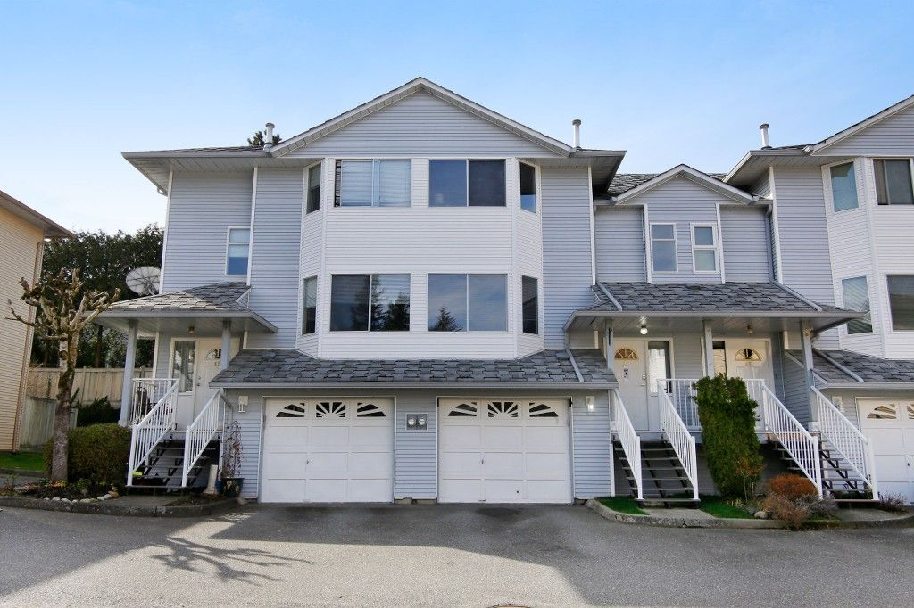 """Main Photo: 44 3087 IMMEL Street in Abbotsford: Central Abbotsford Townhouse for sale in """"Clayburn Estates"""" : MLS®# R2147621"""