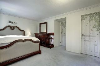 Photo 24: 24 GLAMIS Gardens SW in Calgary: Glamorgan Row/Townhouse for sale : MLS®# A1077235