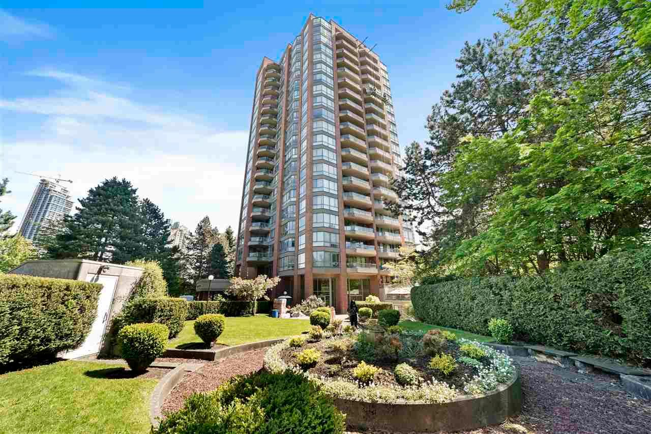 """Main Photo: 403 4350 BERESFORD Street in Burnaby: Metrotown Condo for sale in """"CARLTON ON THE PARK"""" (Burnaby South)  : MLS®# R2580474"""
