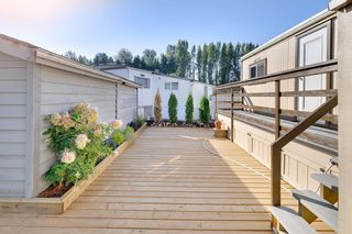 """Photo 5: 100 201 CAYER Street in Coquitlam: Maillardville Manufactured Home for sale in """"WILDWOOD PARK"""" : MLS®# R2309081"""