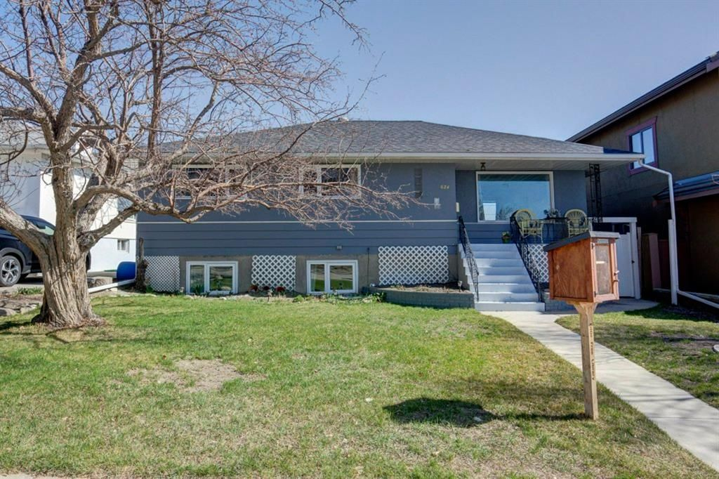 Main Photo: 624 Burns Avenue SE in Calgary: Ramsay Detached for sale : MLS®# A1126393