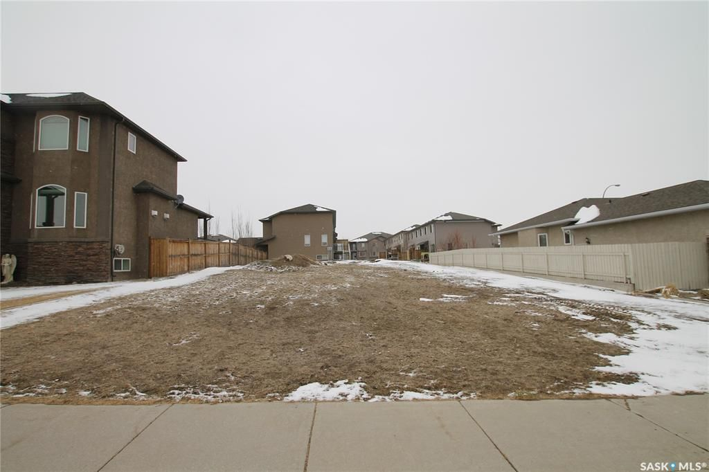 Main Photo: 613 Hodgson Drive in Swift Current: Highland Lot/Land for sale : MLS®# SK850185