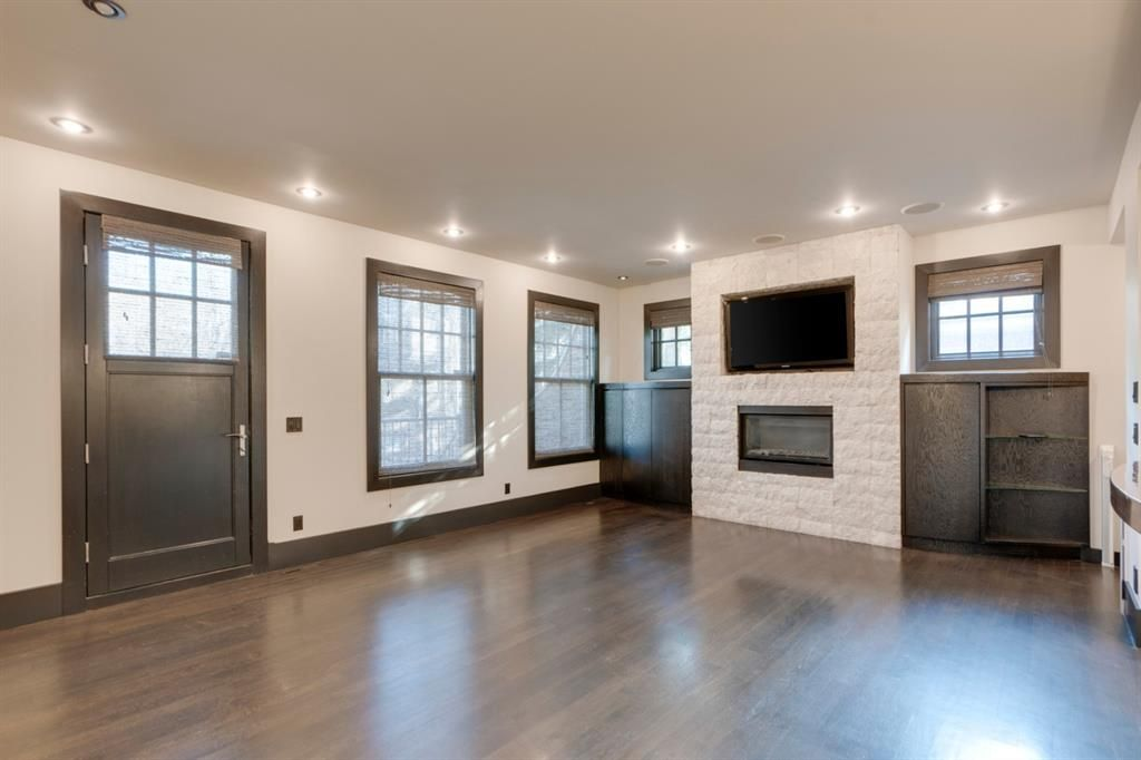 Photo 12: Photos: 610 22 Avenue SW in Calgary: Cliff Bungalow Semi Detached for sale : MLS®# A1094360