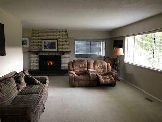 Photo 2: 25241 DEWDNEY TRUNK Road in Maple Ridge: Websters Corners House for sale : MLS®# R2414265
