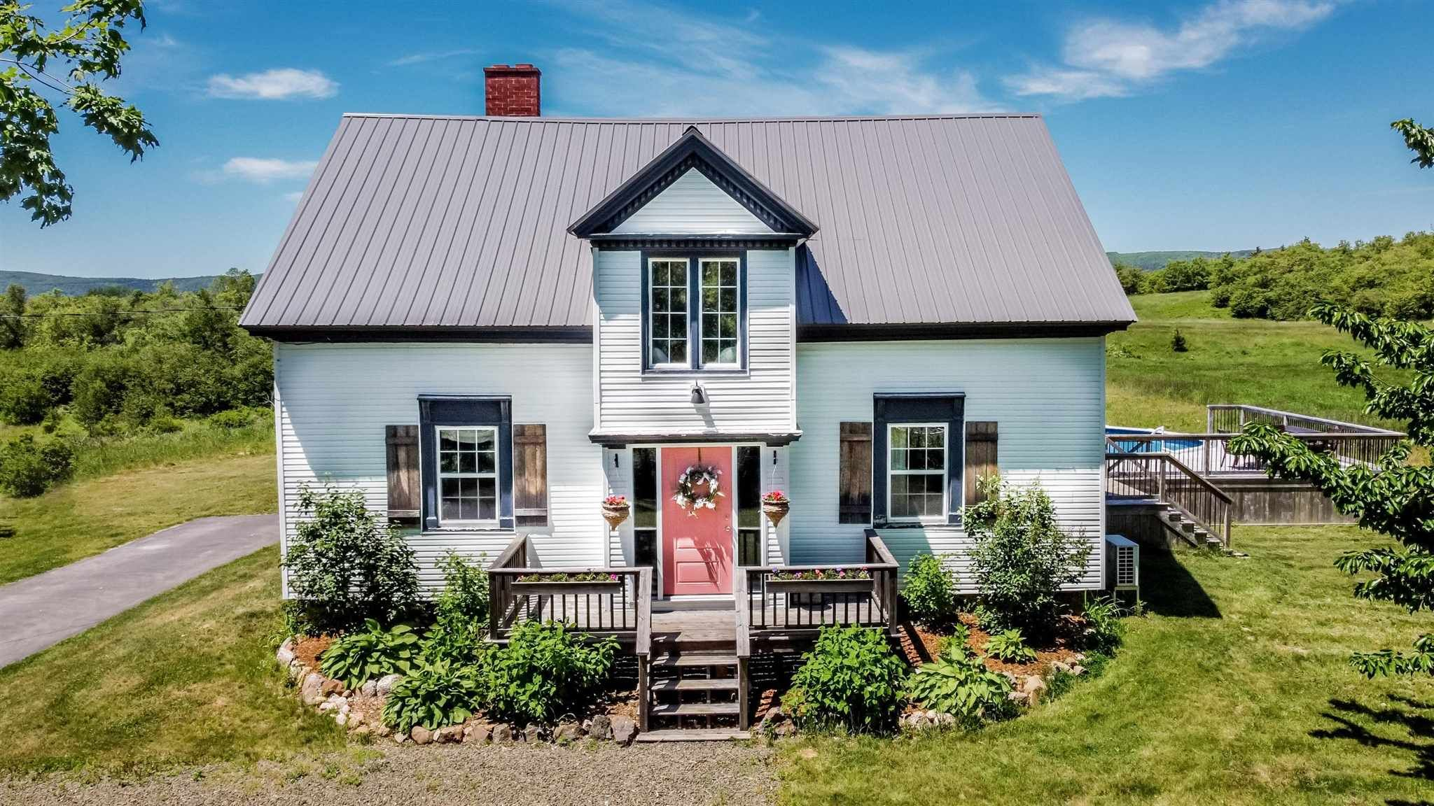 Main Photo: 1893 Highway 201 in Round Hill: 400-Annapolis County Residential for sale (Annapolis Valley)  : MLS®# 202114948