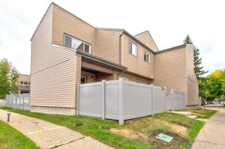 Photo 1: 1776 LAKEWOOD Road S in Edmonton: Zone 29 Townhouse for sale : MLS®# E4262942