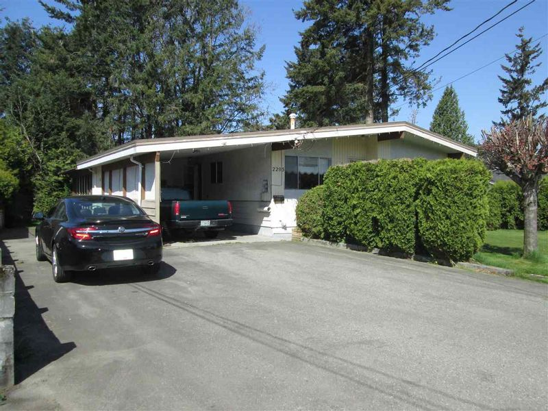 FEATURED LISTING: 2295 HOLLY Street Abbotsford