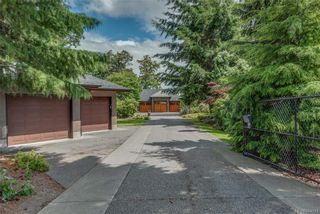 Photo 1: 2477 Prospector Way in Langford: La Florence Lake House for sale : MLS®# 844513