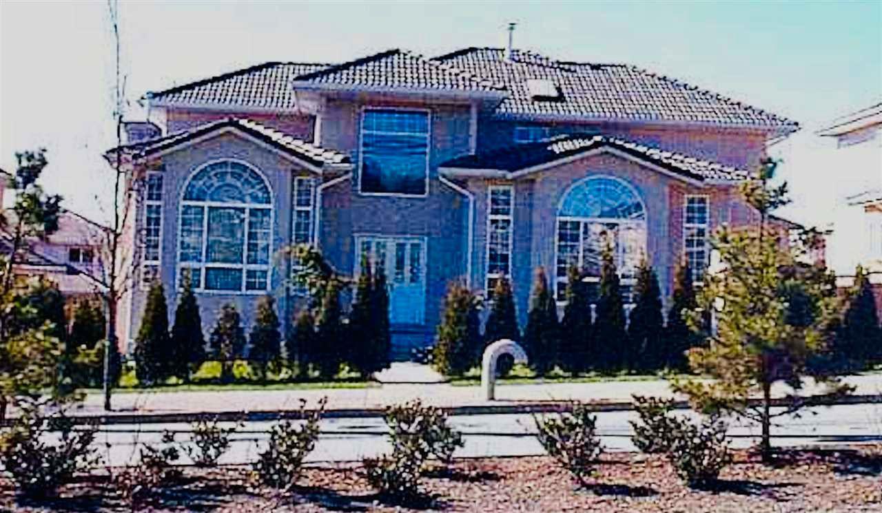 Main Photo: 8311 152 Street in Surrey: Fleetwood Tynehead House for sale : MLS®# R2565505
